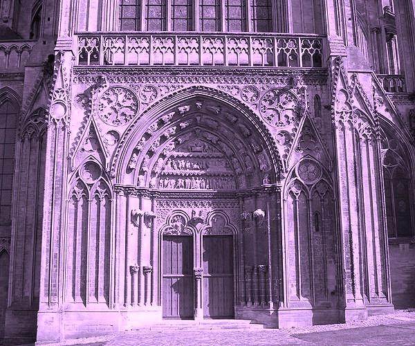larchitecture-gothique-presentation-de-la-cathedrale-de-bayeux.jpg